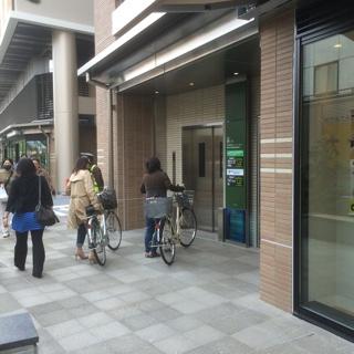 グランエミオ大泉学園自転車置き場入口EV