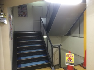ドンキホーテ練馬店内階段