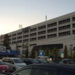 広大な平面駐車場 ~ イオンモール 川口